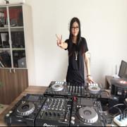DJ--艾丫