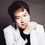 歌手浩林送快乐
